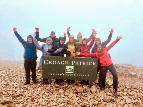 De berg Croagh Patrick beklimmen in Ierland is een prachtige wandeltocht