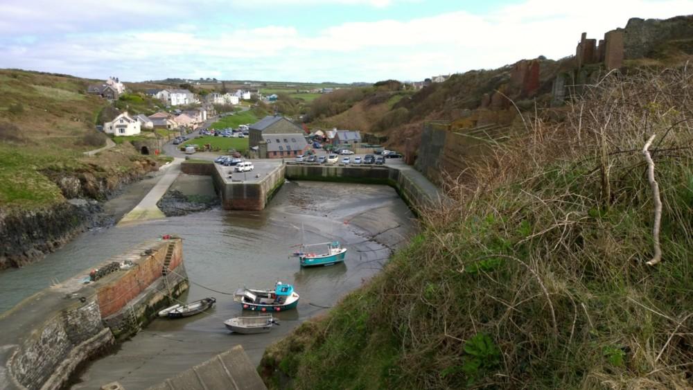 Wandelen over het Pembrokeshire Coast Path in Wales is een prachtige ervaring, langs de ruige kust van het Verenigd Koninkrijk