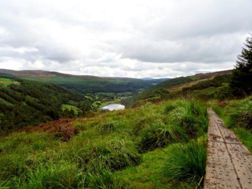 Wandelen in Glendalough, een wandeling door de Wicklow Mountains in Ierland